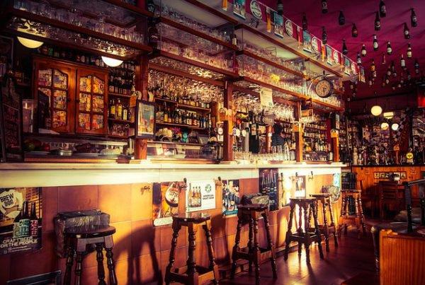 taberna bar pub